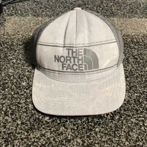The North Face Trucker Hat, great condition!